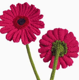 http://translate.google.es/translate?hl=es&sl=auto&tl=es&u=http%3A%2F%2Fwww.oddknit.com%2Fpatterns%2Fflowers%2Fgerberas.html