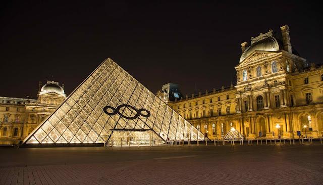 Eleição Macri no Louvre