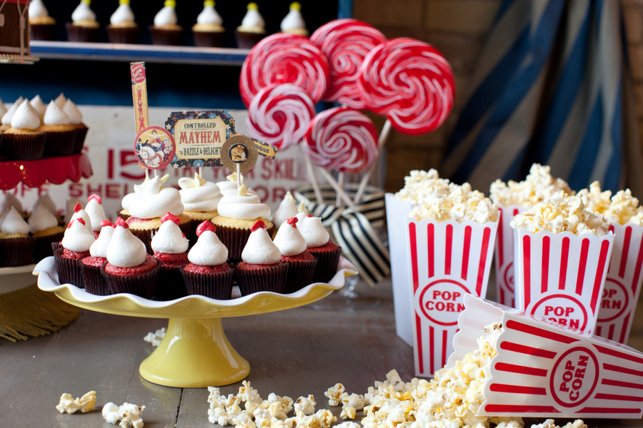 CW distinctive DESIGNS |Sweet Treats Party Table