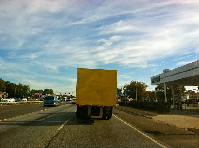 A-Mellow-Yellow-Truck-On-Sunrise-Highway