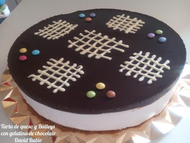 Tarta de queso y Baileys con cobertura de chocolate