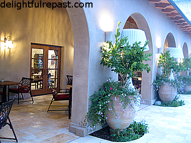 Travel Review - Paso Robles Wine Country (this photo - Cello Ristorante & Bar) / www.delightfulrepast.com