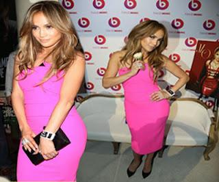Jennifer Lopez es toda una dama de rosa