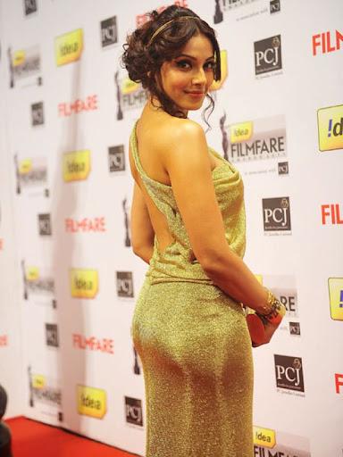 Bollywood Divas Go Backless