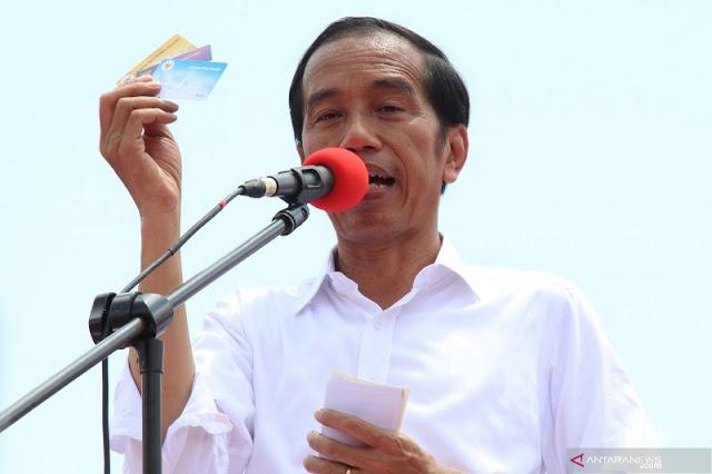Jokowi: Jangan Tagih Tiga Kartu Saya Begitu Pilpres Usai