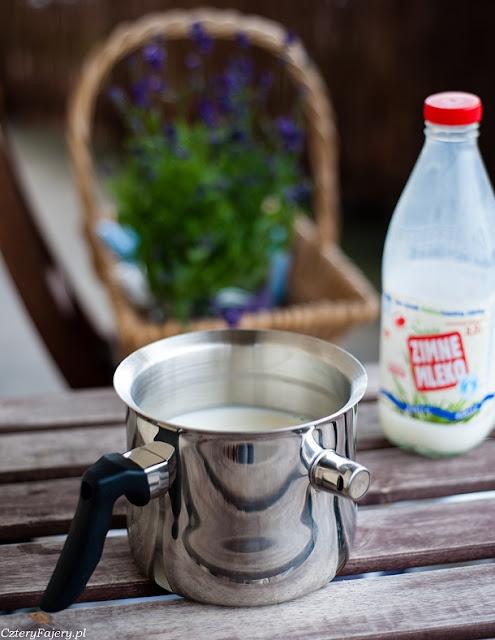 Garnek-do-gotowania-mleka