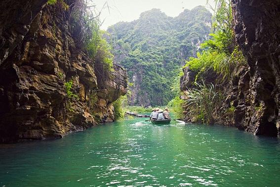 Khu du lịch sinh thái Tràng An hấp dẫn du khách