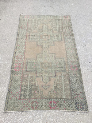 il_570xN.1364509146_bfcw Antique Rugs That Are Essential For Existence Interior