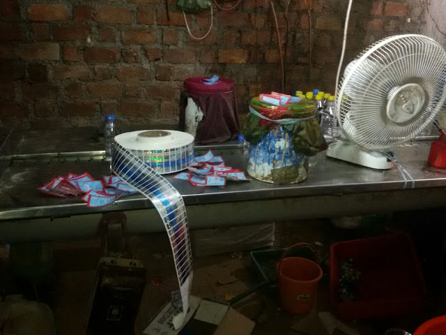 illegal-wine-seized-ratlam-mp-देशी शराब बनाने का अवैध कारखाना पकड़ाया 8 हजार लीटर ओपी बरामद