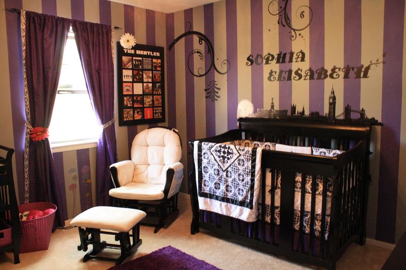 Habitaciones para beb s decoradas con lila colores en casa for Habitacion lila y blanca