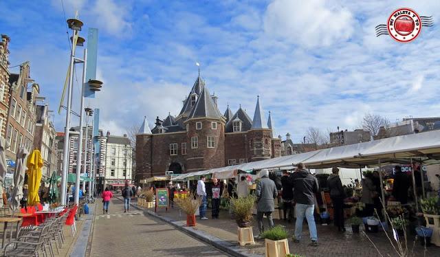 Amsterdam, mercado en Niuewmarkt