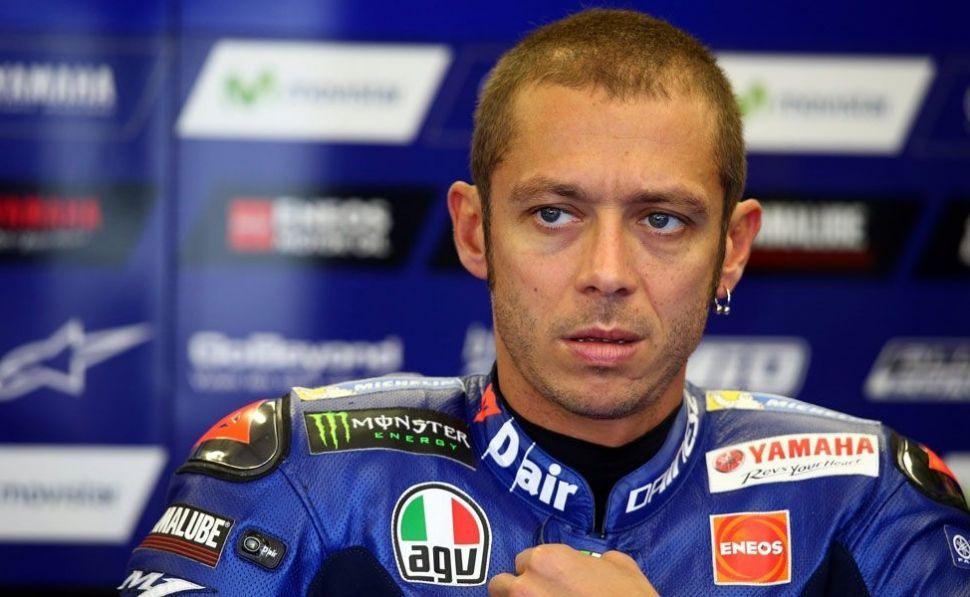 Valentino Rossi si rompe tibia e perone durante un allenamento enduro