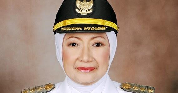 Hasil gambar untuk walikota cimahi atty suharti