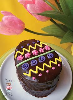 http://birdonacake.blogspot.com/2013/03/chocolate-easter-egg-mini-cakes.html