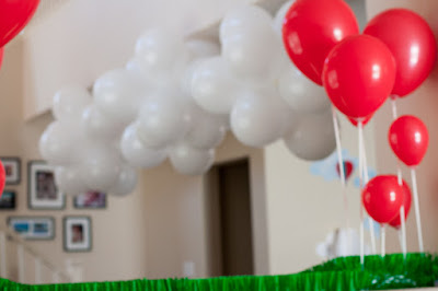 Balloon decoration for up up and away birthday party