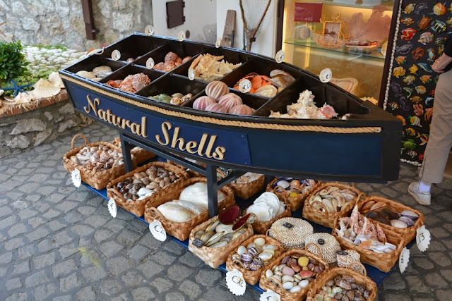 Anacapri shopping shells