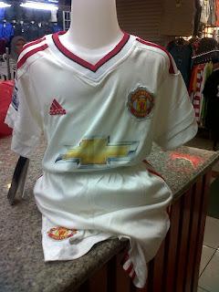 gambar desain terbaru photo foto kamera Jersey Kids Manchester United away terbaru musim 2015/2016 kualitas grade ori di enkosa sport toko online jersey bola terpercaya