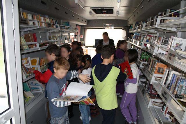 """Η Κινητή Βιβλιοθήκη της Δημόσιας Κεντρικής Βιβλιοθήκης """"Ο Παλαμήδης"""" επαναλειτουργεί"""