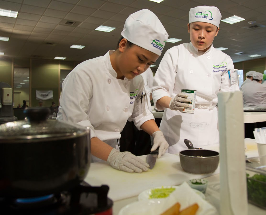 Students compete in the 2014 Alaska ProStart Competition