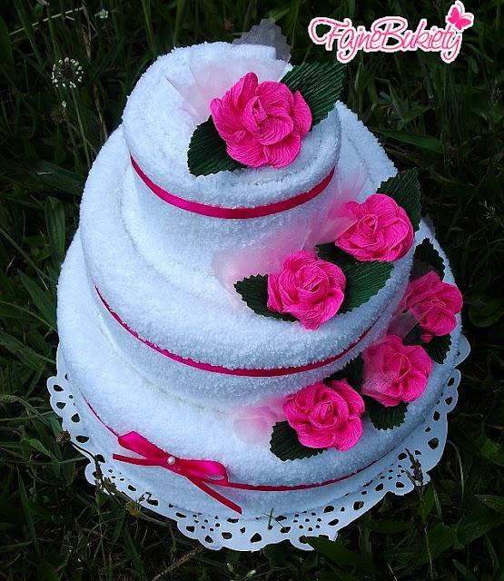 Tort z ręczników