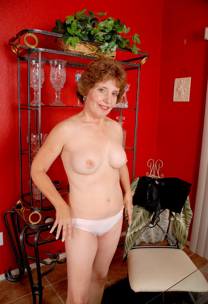 Naked Village Ladies Joanne - Datawav-1385