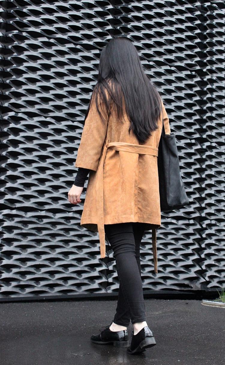 zamsz l oversize l długie włosy l czarne l minimalizm