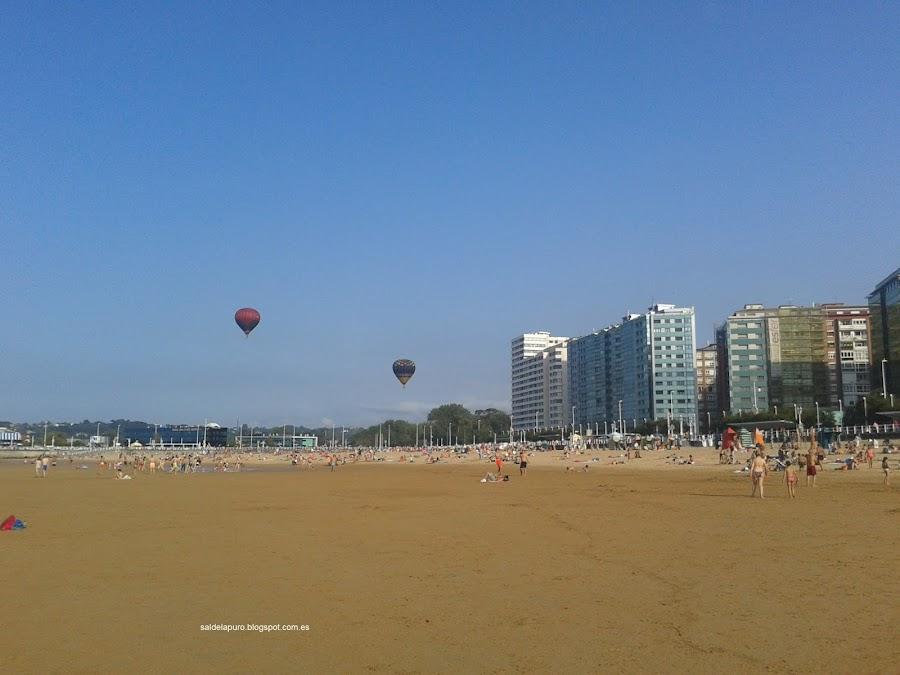 globos-playa-san-lorenzo-gijon