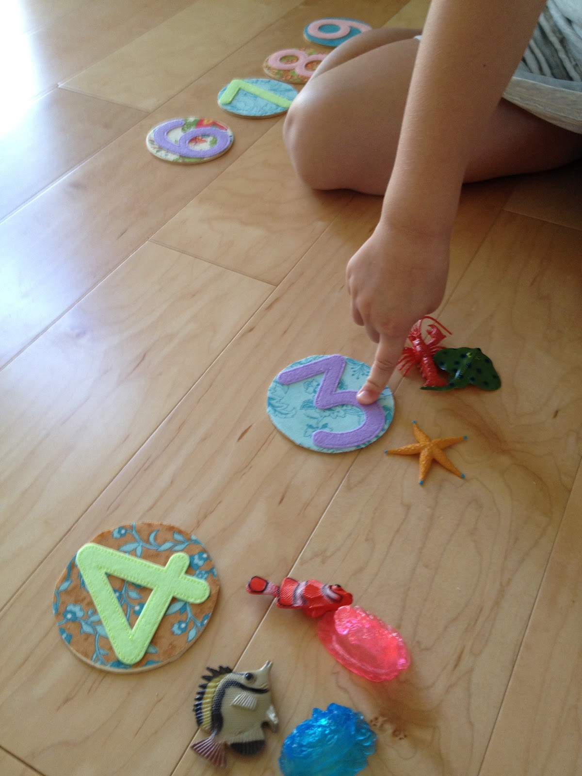 Kats World Telling Addition Stories With Wooden Discs Plastic
