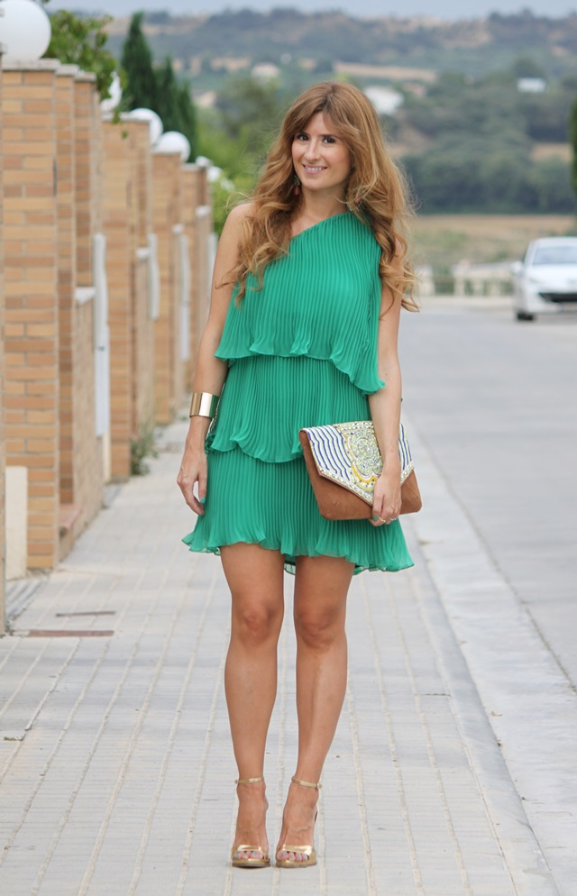 Look de vestido verde