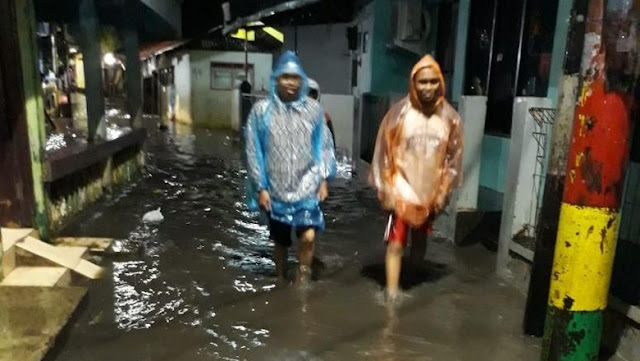Hujan Semalaman, Cipinang Melayu Jakarta Cuma Tergenang 30-40 Cm Kok....