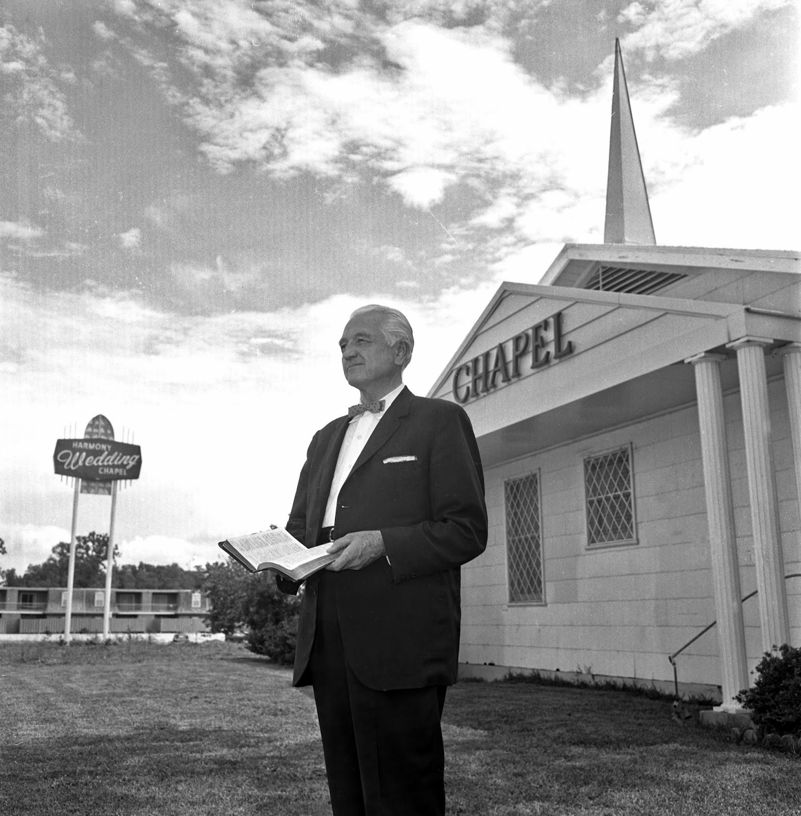 8 4 65 Maurice Turner Chaplain Harmony Wedding Chapel