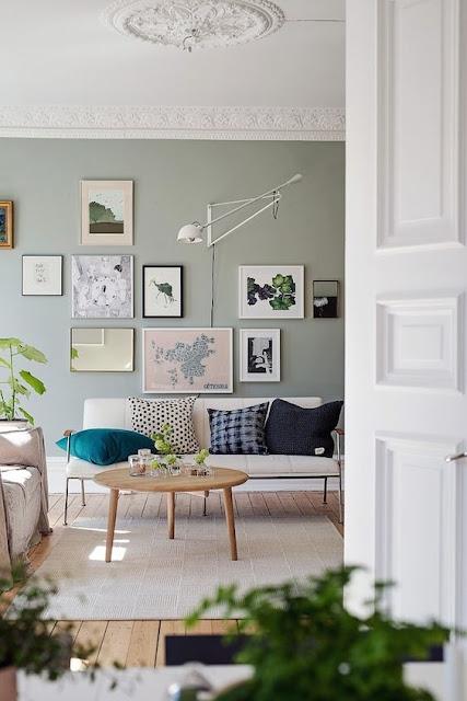quadros-fotos-mapas-parede-sala-decorada