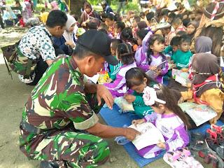 Si Mokos di Ujung Timur Bojonegoro. Koramil Kepohbaru Ceria Bersama Anak Anak.