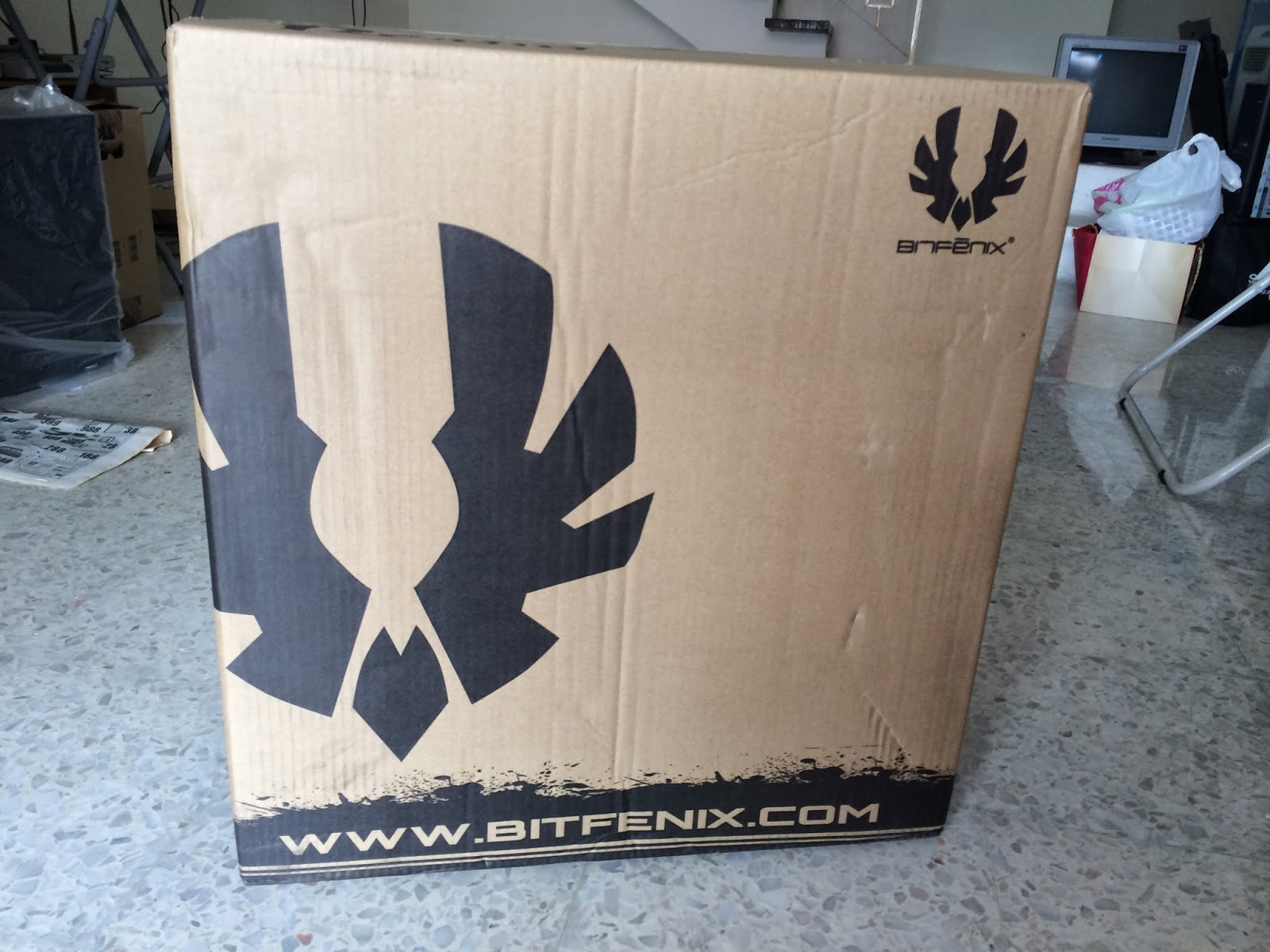 Unboxing & Review: Bitfenix Ronin 102