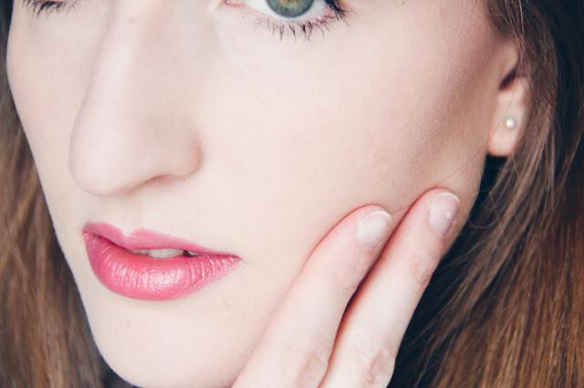 Comment gérer une peau acnéique : les bons gestes