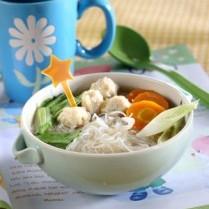 Sup Bola Ayam Sayur Asin