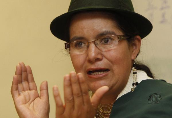 Lourdes Tibán fue golpeada