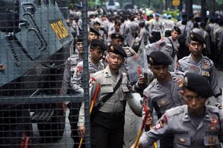 Hanya Dituntut 1 Tahun, Ahok Tetap Ajukan Pledoi, Polisi Perketat Pengamanan Sidang Besok