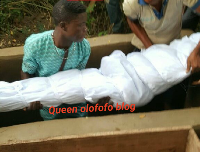 Picture of The body of nollywood actress Bukky Ajayi being laid to rest at her burial ceremony