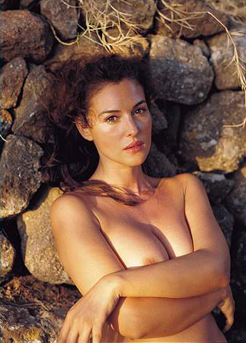 Hot girls Monica Bellucci nude Italian model & actress 8