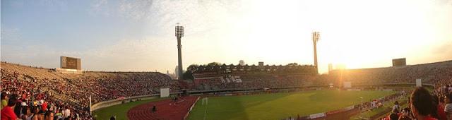 Suasana di Stadion Singapura