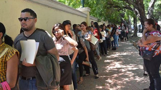 Encuesta Gallup-Hoy: 60% jóvenes entre 18 y 25 años quiere irse del país
