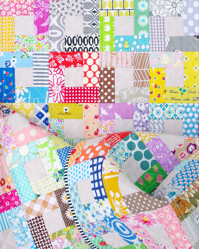 Bright Hopes Quilt - Color My World | © Red Pepper Quilts 2018 #brighthopesquilt #scrapquilt #patchwork #redpepperquilts