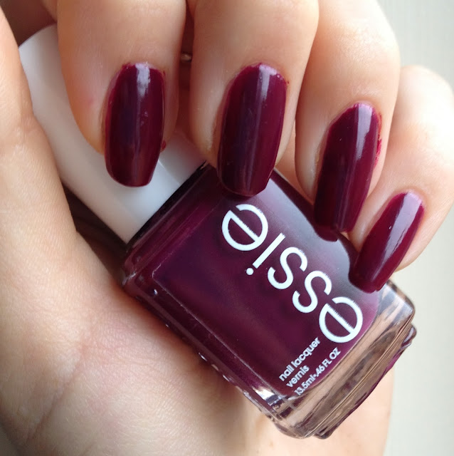 essie-bamama-mama-nails-swatch