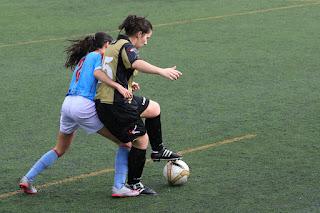 El Barakaldo CF gana 2-1 ante el Ariznabarra