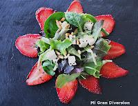 Ensalada de fresas y piñones