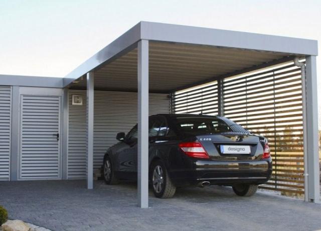 garasi dengan atap besi logam