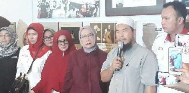 Tim Kampanye Jokowi-Ma'ruf Baper Dan Lucu