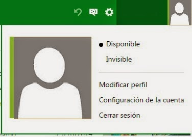 Mostrarte disponible o invisible en el chat de Outlook.com