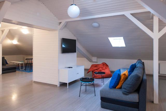 Sala con televisión en Student Hostel Reikiavik